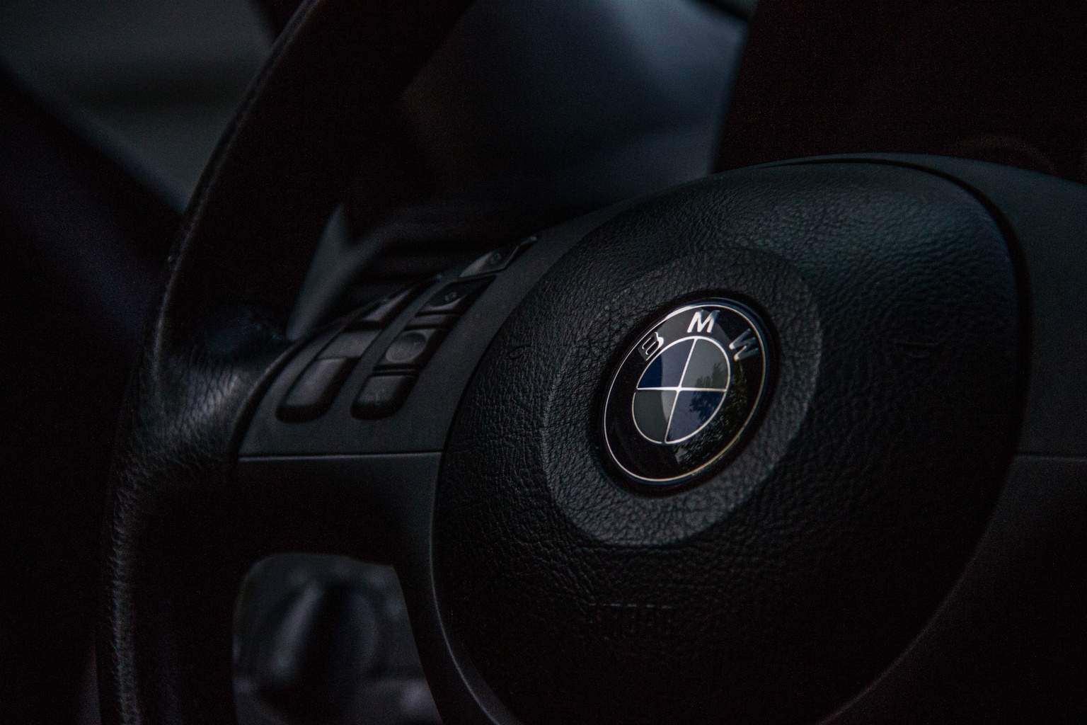 BMW Steering Wheel - Uniseal Dealer Services